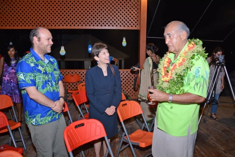 Fiji President Ratu Epeli Nailatikau (right) speaking with US ambassador Judith Beth Cefkin (middle) and Joshua Drew from Columbia University during the Vatu-i-Ra Seascape Exhibition launch at the Fiji Museum in Suva, on Wed 24 June 2015. Picture: ELIKI NUKUTABU/ FIJI TIMES LTD.